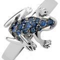 dadaarrigoni_happy frog ring in white gold with blue sapphires